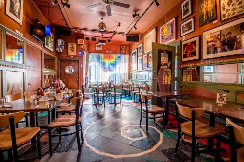 Gay friendly resturants in chicago