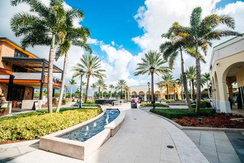 Shops at Sawgrass Mills