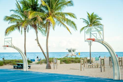 Fort Lauderdale Beach Basketball Courts