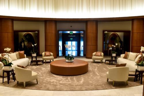 Conrad Fort Lauderdale foyer