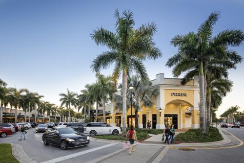 Parking Lot and Prada store at Sawgrass Mills