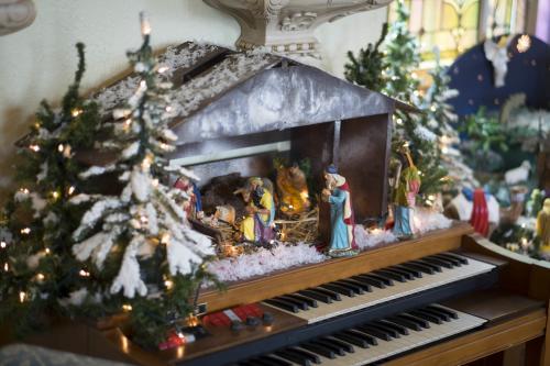Olde World Christmas