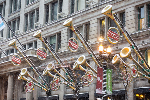 Macy's exterior holiday decor in Chicago