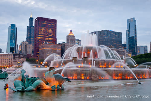 Buckingham Fountain in Grant Park - Chicago Public Art