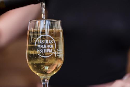 Las Olas Wine & Food