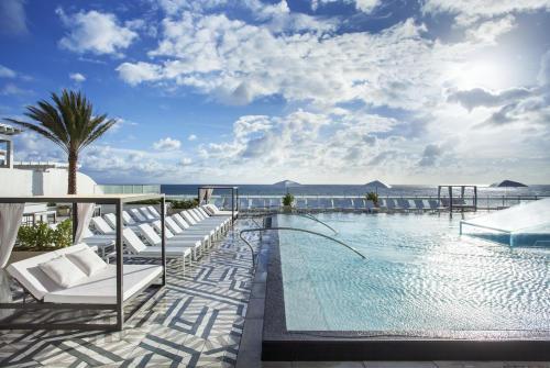 W Fort Lauderdale pool deck