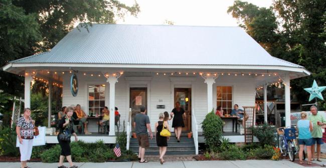 Mockingbird Cafe