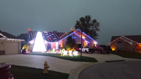 Delano Cover Christmas Lights Display - Fort Wayne, IN