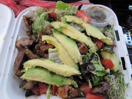 You can choose between tofu, veggie turkey, or chicken to accompany your San O Salad at Secret Spot. (Photo courtesy of Natasha X. / Yelp)