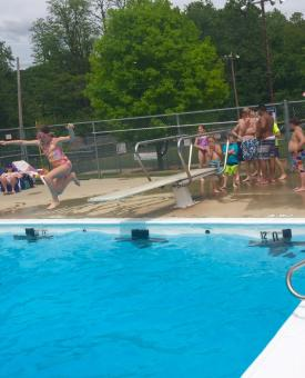 Gill Family Aquatic Center, diving board