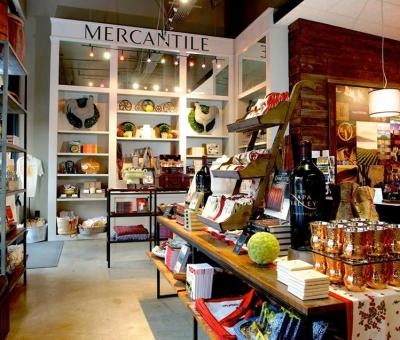 Napa Valley Welcome Center, trip tips, maps and gifts.