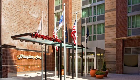 Hampton Inn Manhattan/United Nations Hotel Exterior