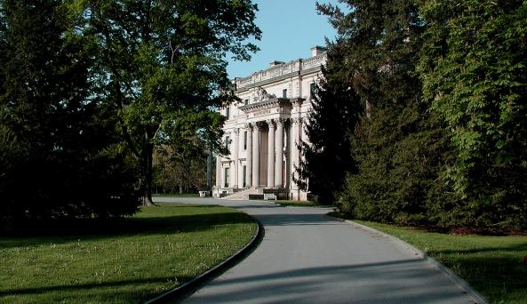 02. Vanderbilt Mansion National Historic Site, Photo W.D (1).jpg