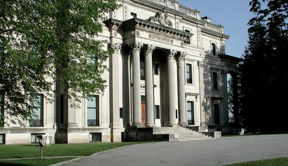 03. Vanderbilt Mansion National Historic Site, Photo W.D. Urb.jpg