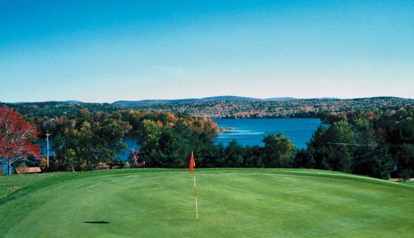 9th hole overlooking lake.bmp