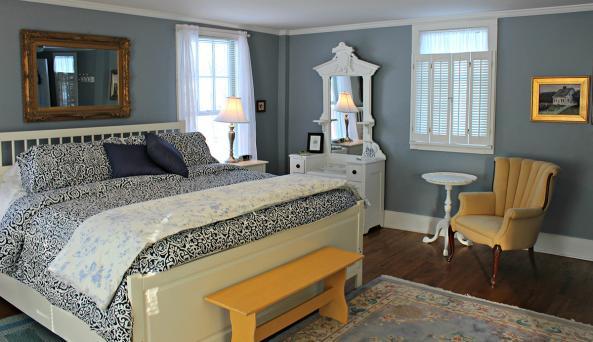 1837-cobblestone-cottage-canandaigua-interior-honeymoon