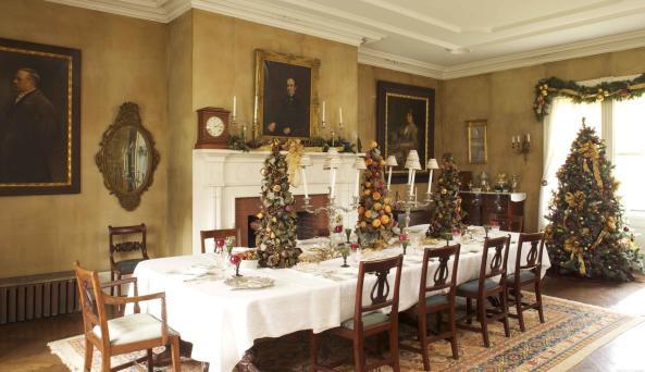 Locust Grove Estate Dining Room Christmas