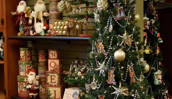 Lee's Christmas Corner