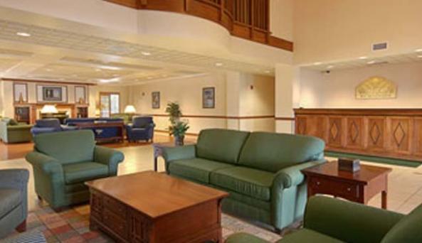 Wingate-lobby.jpg