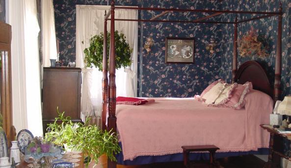 Hambletonian House Bedroom1.jpg