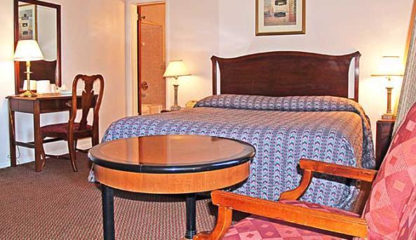 Deluxe King Bedroom.jpg