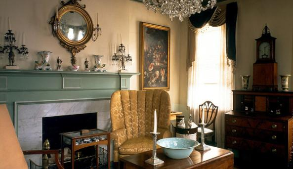 Johnston House parlour.jpg