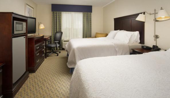 2 Queens Guestroom