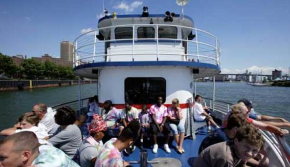 Buffalo Harbor Cruises - Miss Buffalo