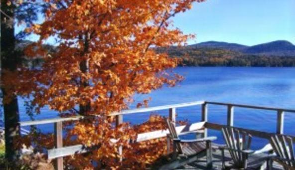 Burkes Lakeside Cottages