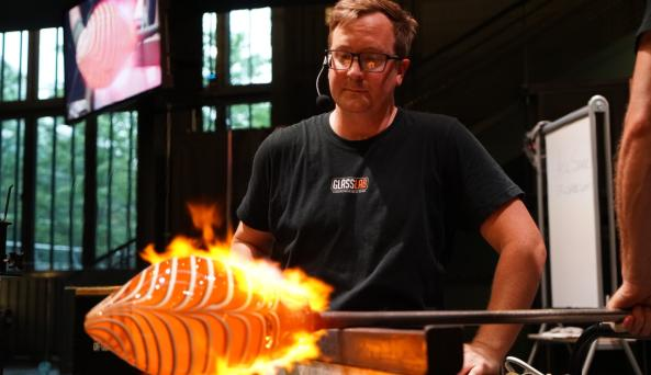 Hot Glass Show, Guest Artist Series Live Streamed Demonstration