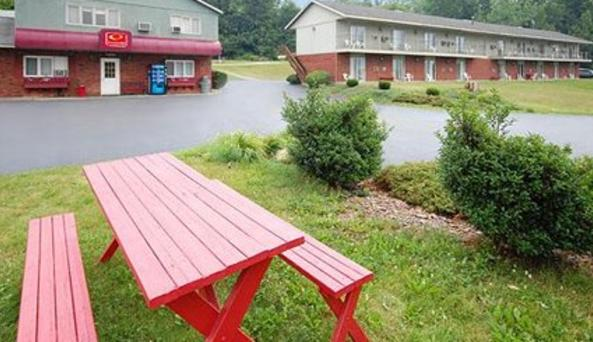Econolodge Hornell