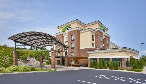 Holiday Inn Express & Suites Geneva Finger Lakes