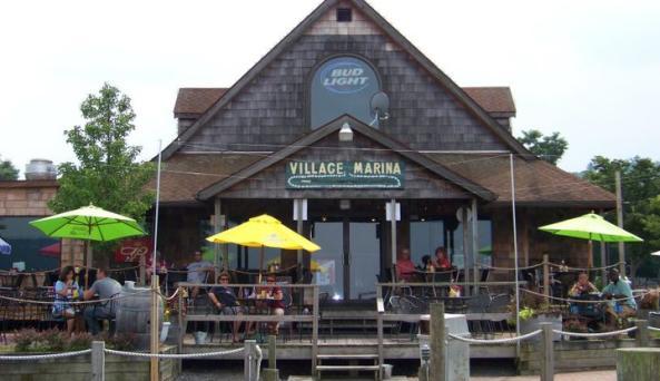 Family-friendly dining right on Seneca Lake in Watkins Glen