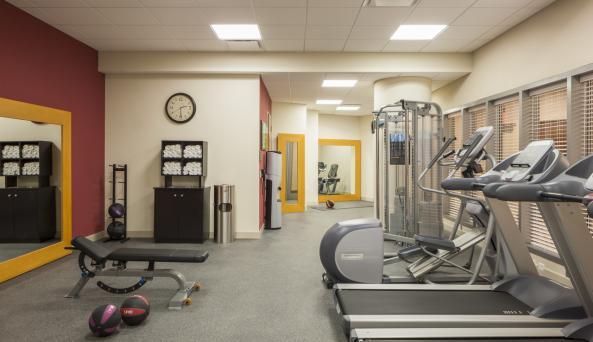 Hilton Garden Inn New York Long Island City/Manhattan View Fitness Center