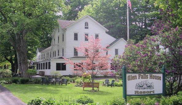 Glen Falls House - Spring
