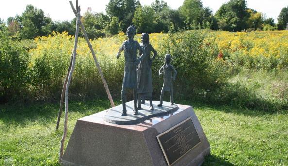 ganondagan-victor-statue