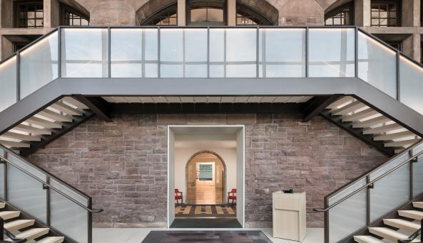 Hotel Henry Glass Entry