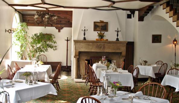 Horned Dorset Inn