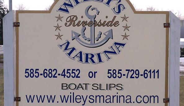 Wiley's Riverside Marina