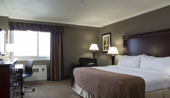 Spacious King Room at the Holiday Inn Binghamton