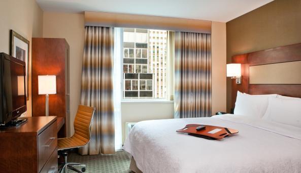 Hampton Inn King Bed Guest Room