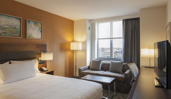 Hilton Garden Inn New York Long Island City/Manhattan View King Room
