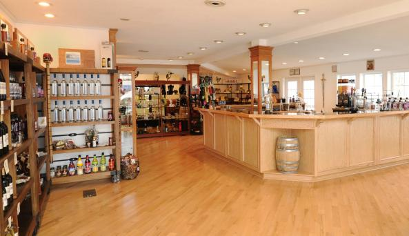 Dark Island Spirits Distillery - Photo by Taste 1000 Islands and Le JIT Productions