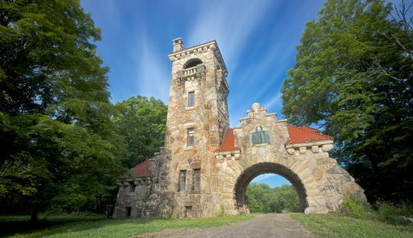 Mohonk Preserve Testimonial Gateway - Photo by Michael Neil O'Donnell