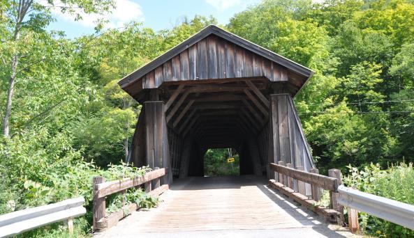 Van Tran Flat Covered Bridge entry