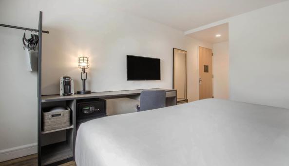 Look Hotel King Room 4