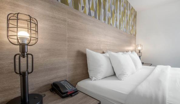 Look Hotel King Room 5