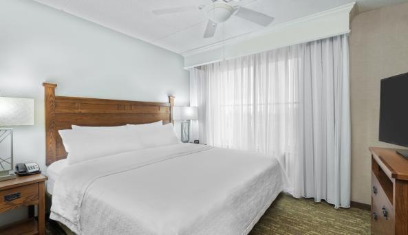 One Bedroom King Suite
