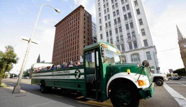 Open-Air Autobus Tours