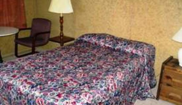 Pine Grove Motel 2